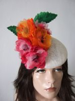 Floral Fasciniator Hat Headpiece with Silk Flowers for the Races. Hats for Royal Ascot. Derby Hats. Mother of the Bride Hats. Floral Fascinator for Wedding Guests. Floral Hats for Royal Ascot. Hats for Epsom Derby
